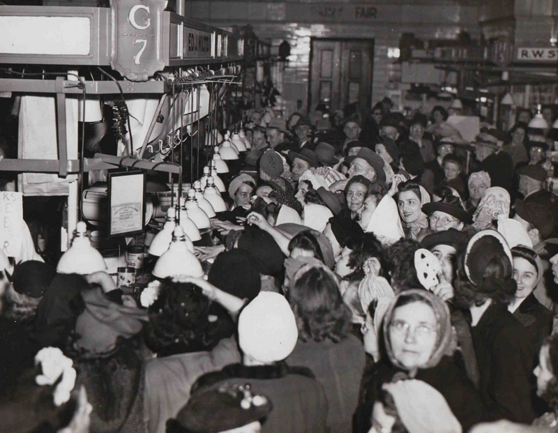 Crowd of Shoppers, 1946