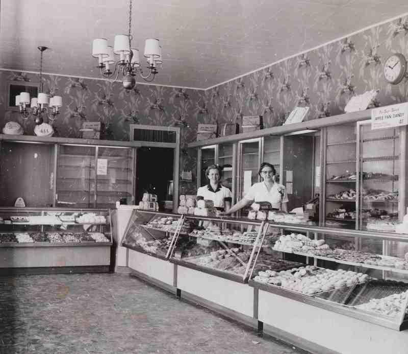Hough Southgate, 1955