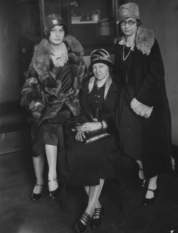 Mabel Young and Guests of the Bridge Party, 1928