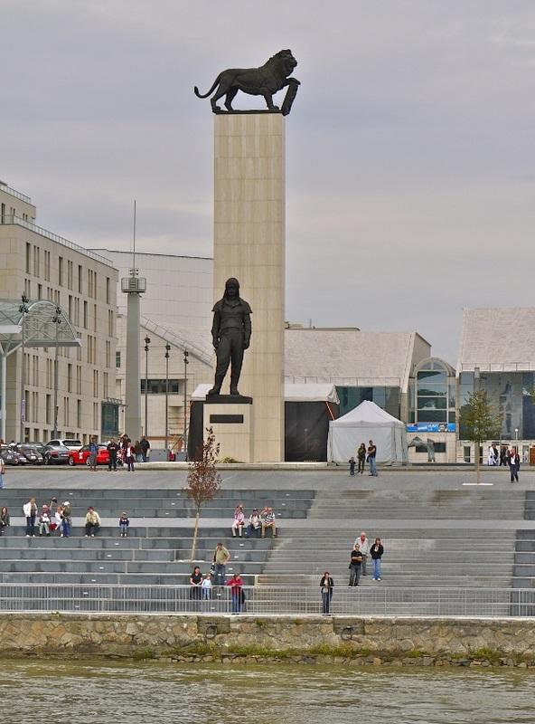Stefanik Statue in Bratislava
