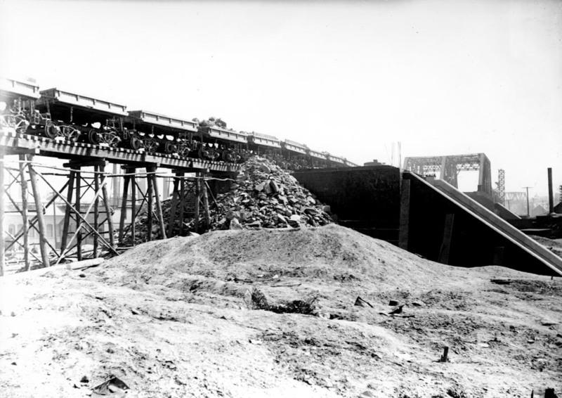 Dirt Train, 1915