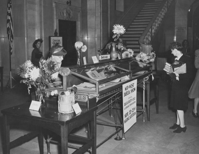 Dahlia Society Exhibition, 1954