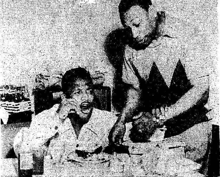 Scatter Serves Sugar Ray, 1953