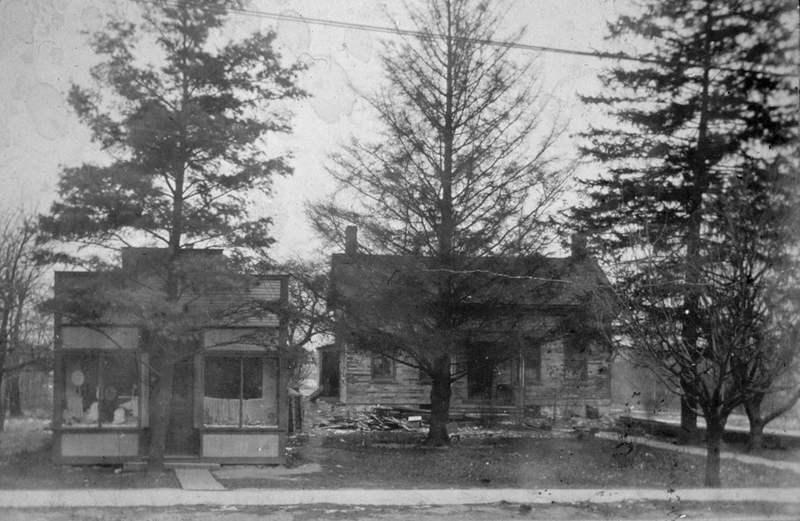 Oldest Stone House, 1902