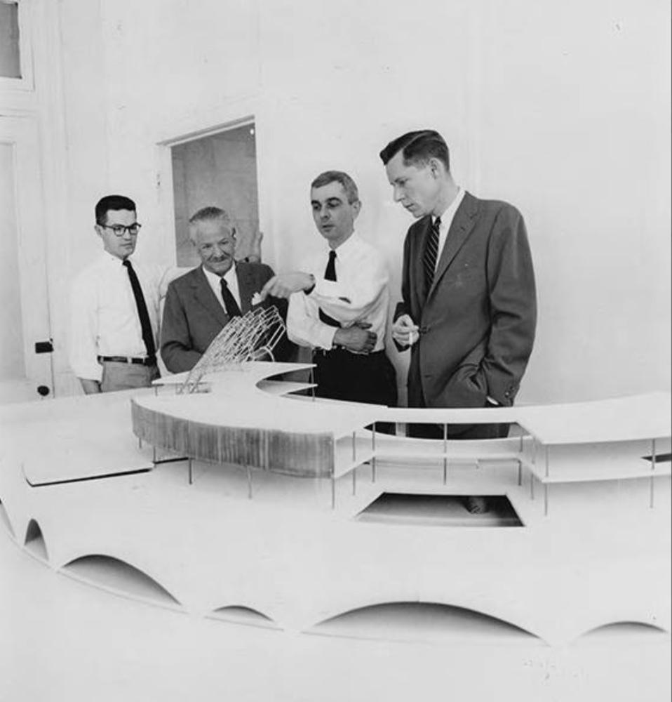 Eisenman & Kelly Look at Headquarters Model