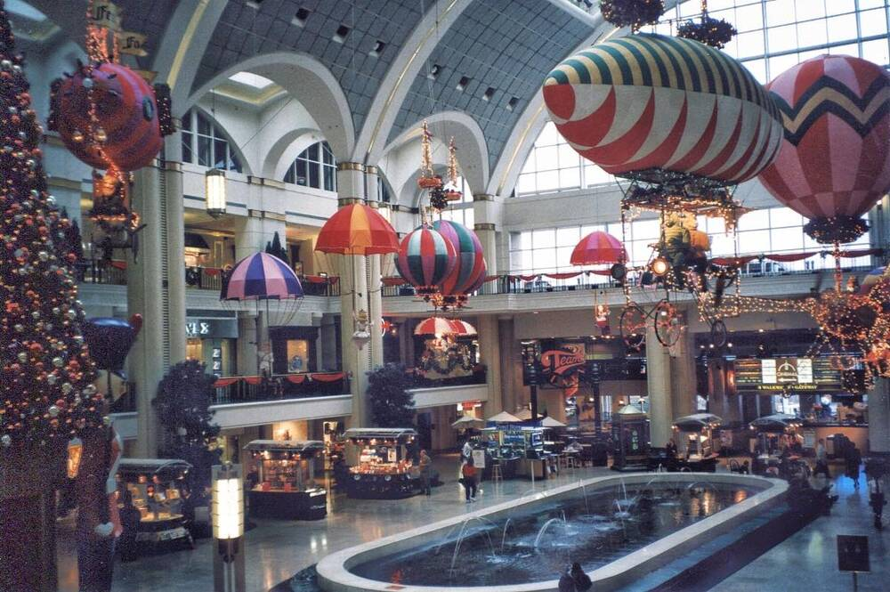 The Avenue at Tower City Center