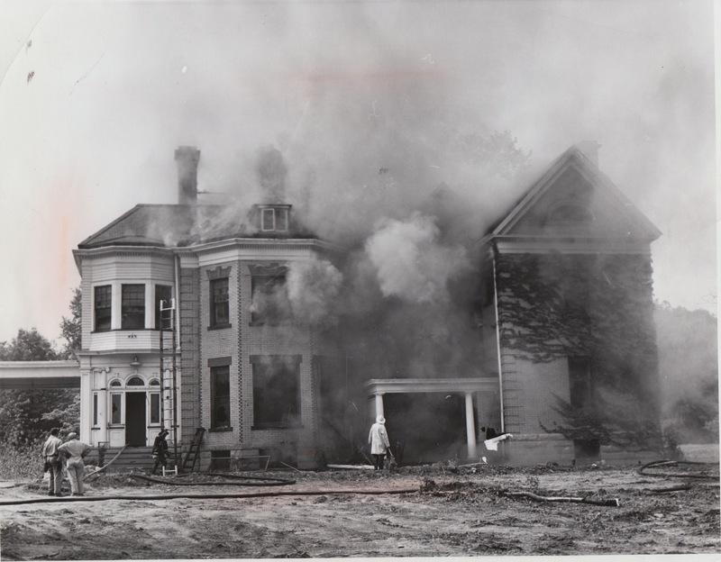 Roseneath Burns Down, 1962