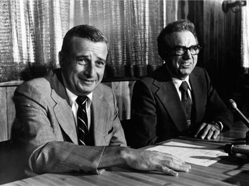 Art Modell with Mayor Ralph Perk, 1975