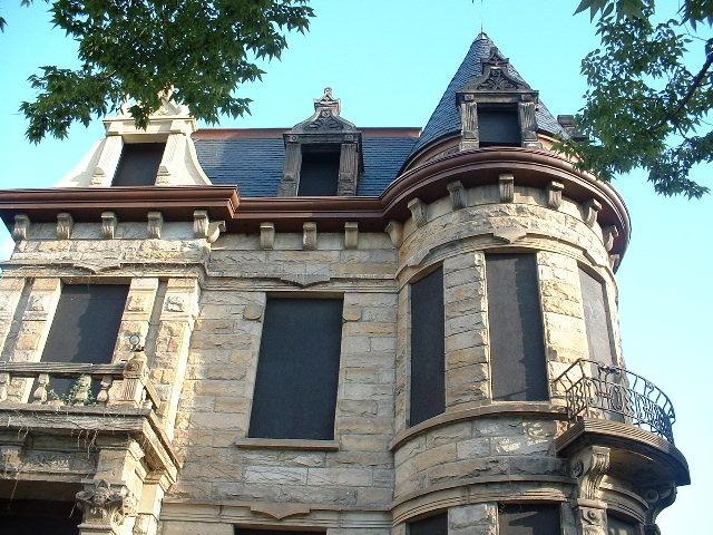 Tiedemann House, 2001