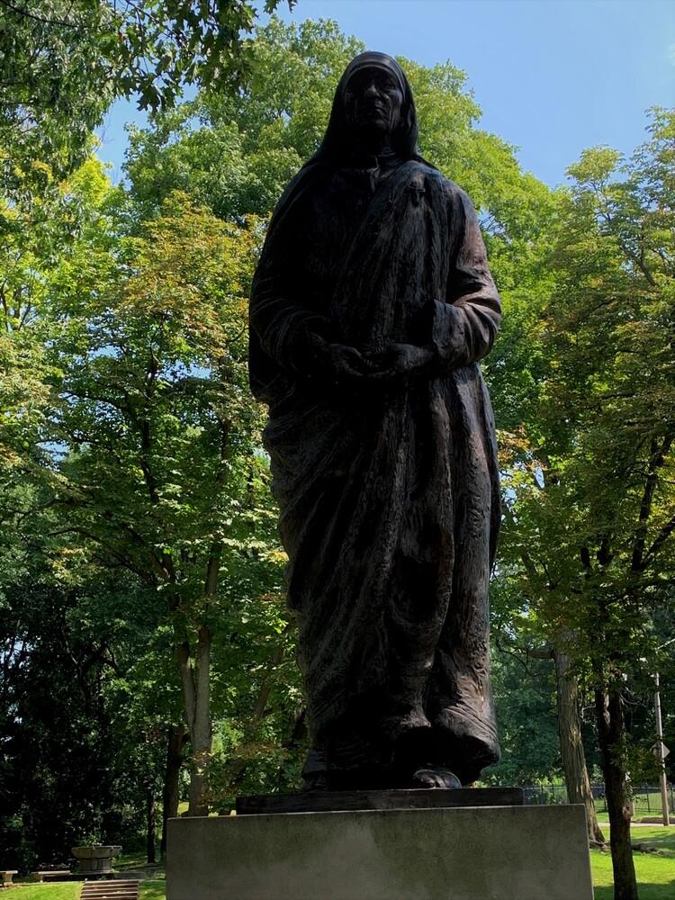 Bronze Mother Teresa Statue