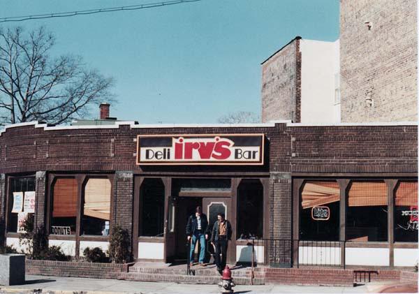 Irv's Deli, 1982