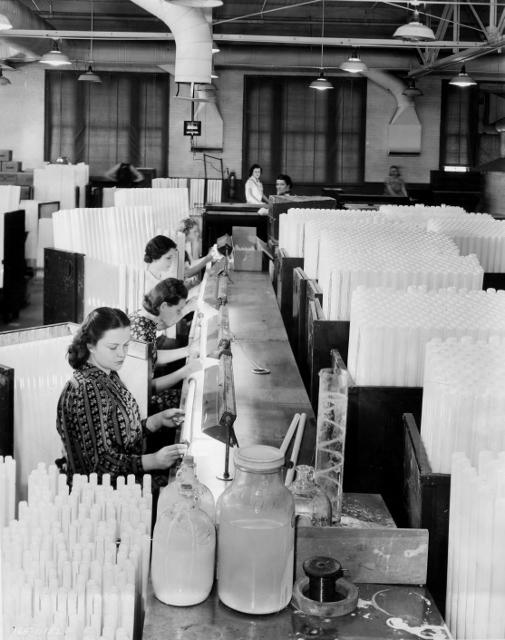 Fluorescent Lamps, 1940