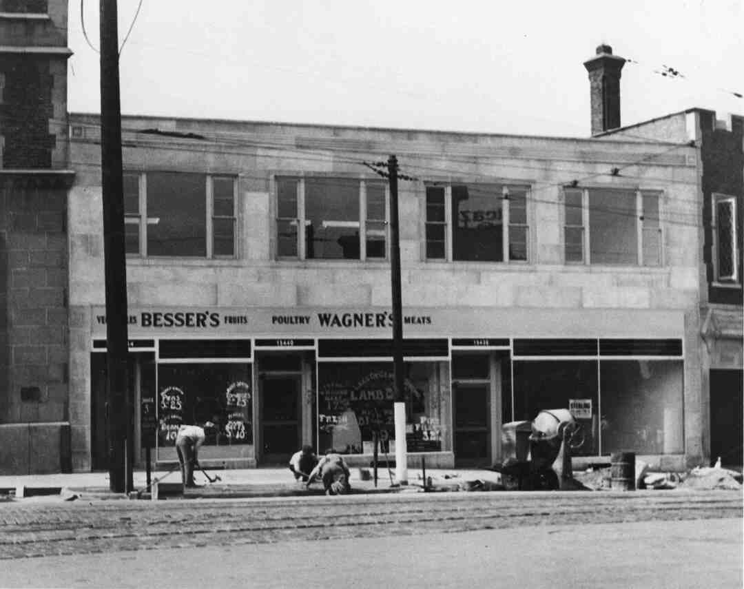 Cedar-Grandview Building, Circa 1935