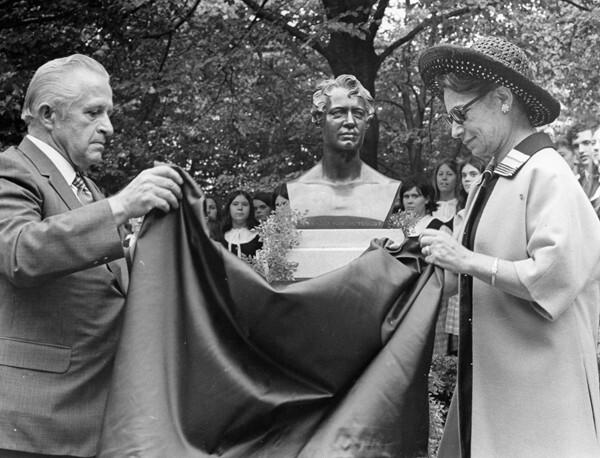 Von Humboldt Unveiling, 1970