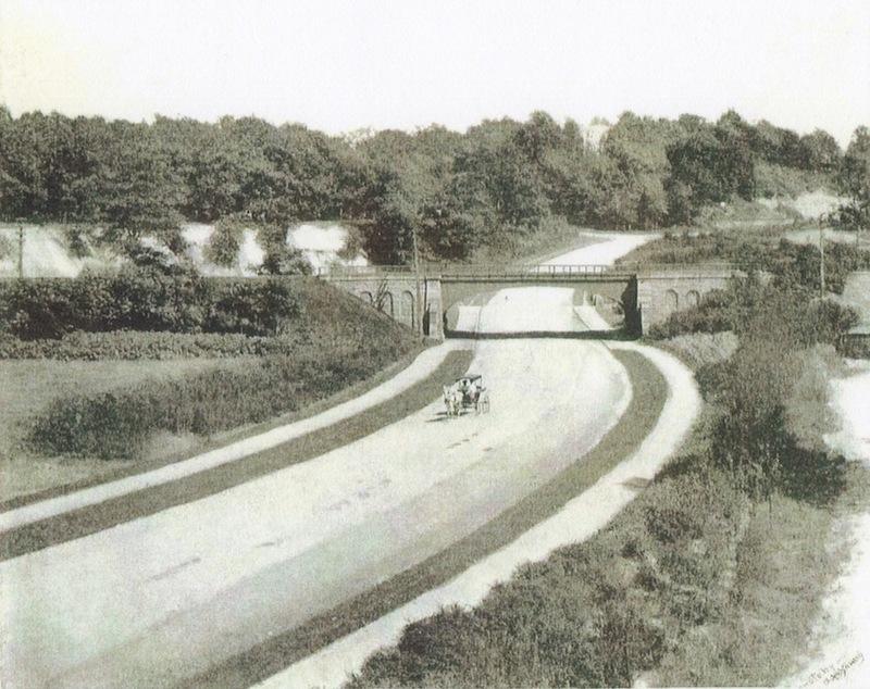 Boulevard to Shaker