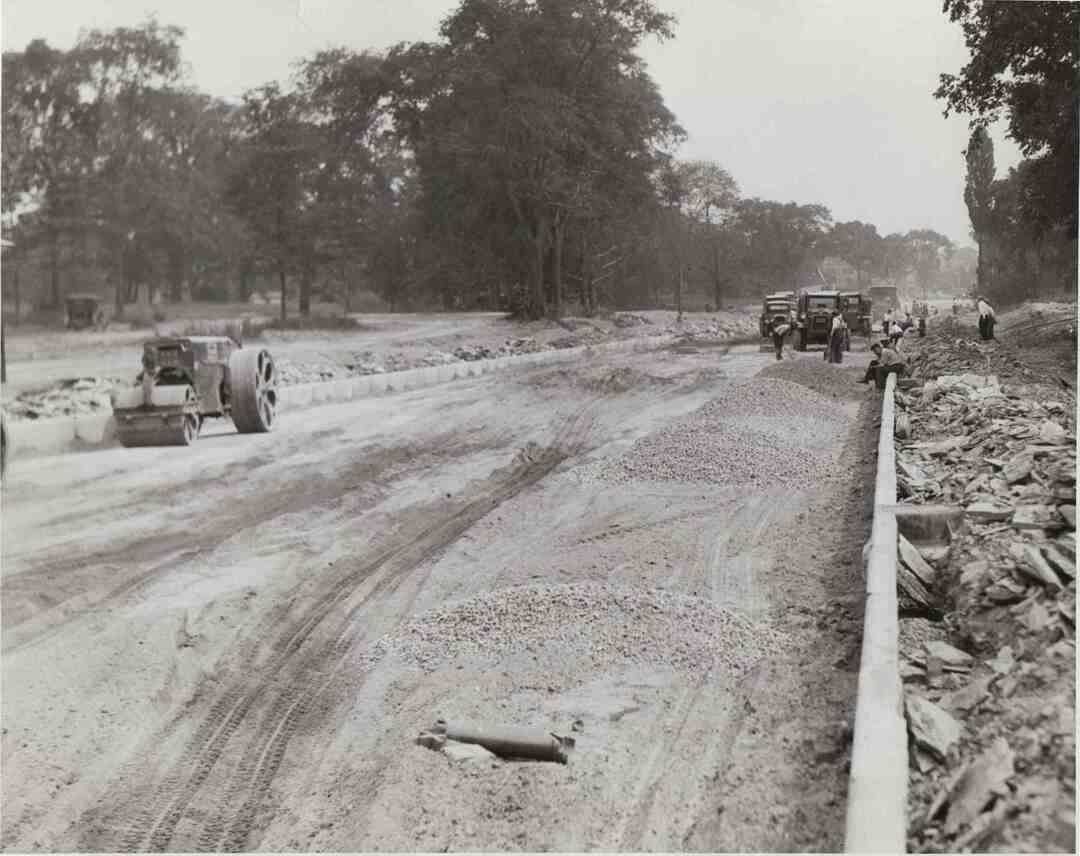 Lee Near Mayfield, 1929