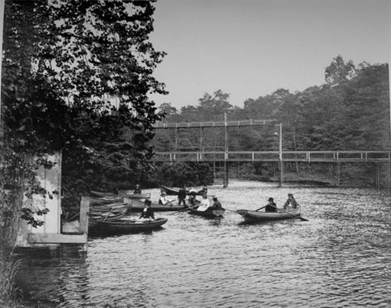 Boaters on Beyerle Lake
