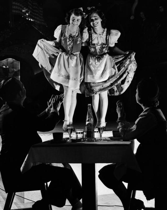 Floor Show, 1942