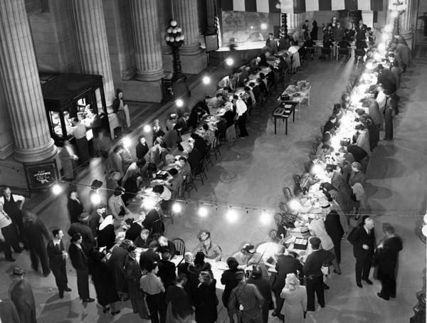 Voter Registration in Cleveland City Hall, 1948