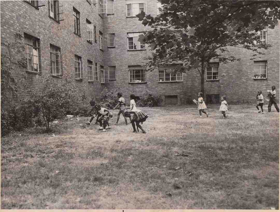 Kids At Outhwaite, 1952