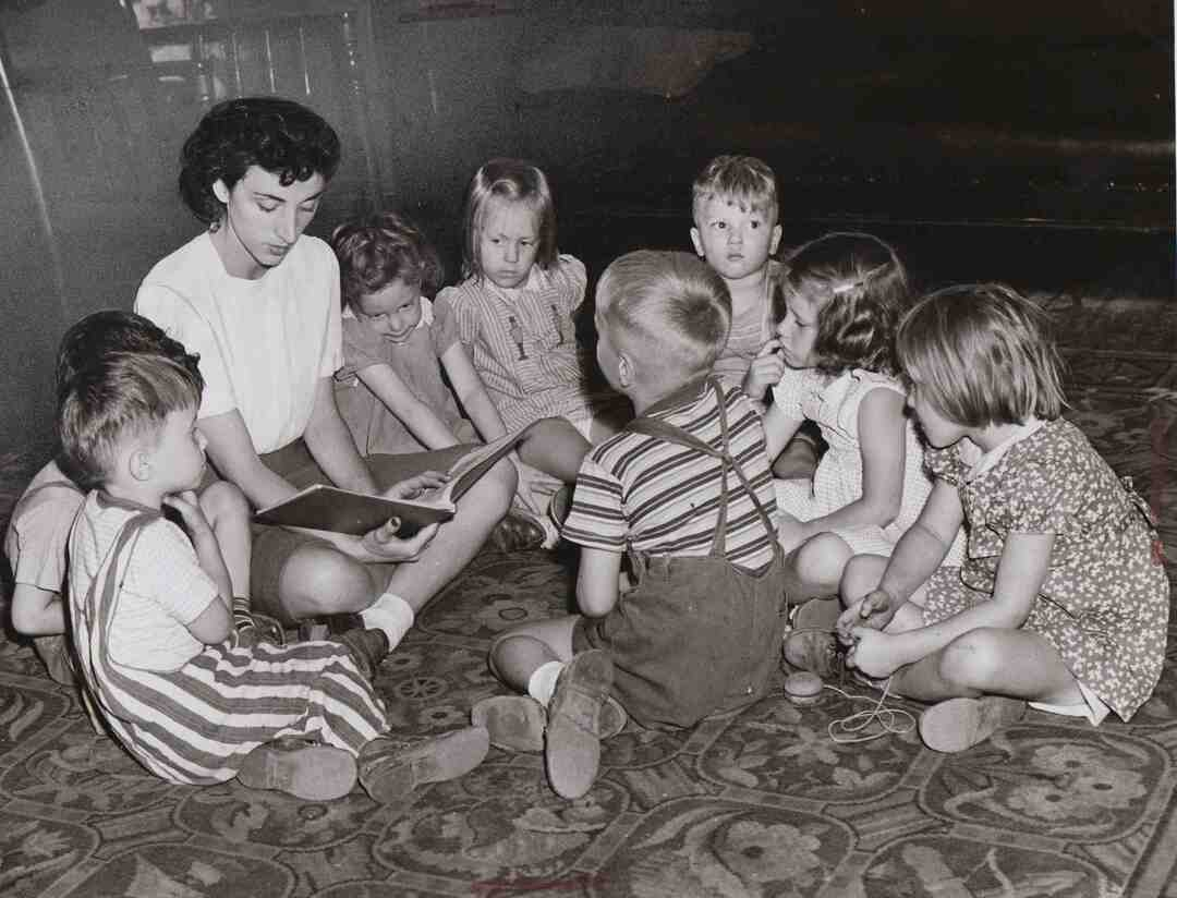 Story Hour, 1942