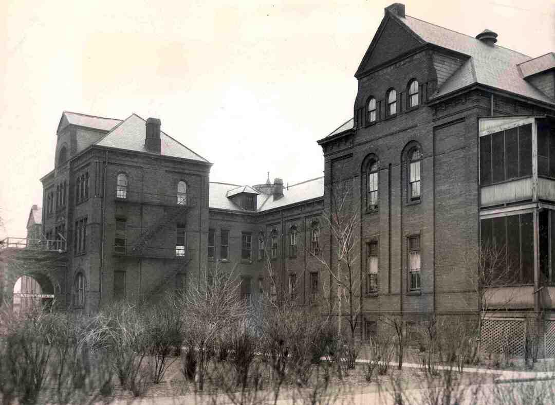 Old Sanitarium, 1933