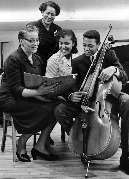 Patty P. Tommie With Musicians