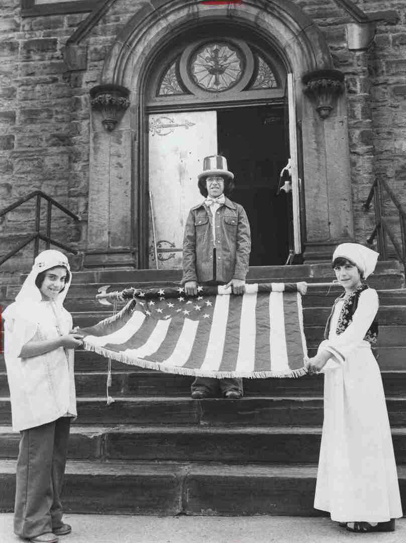 Honoring the Flag, 1976