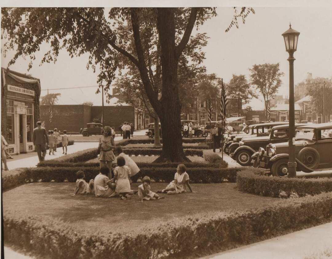 Shaker Square, 1938